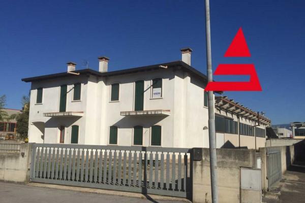 Capannone + casa nuova in vendita + uffici